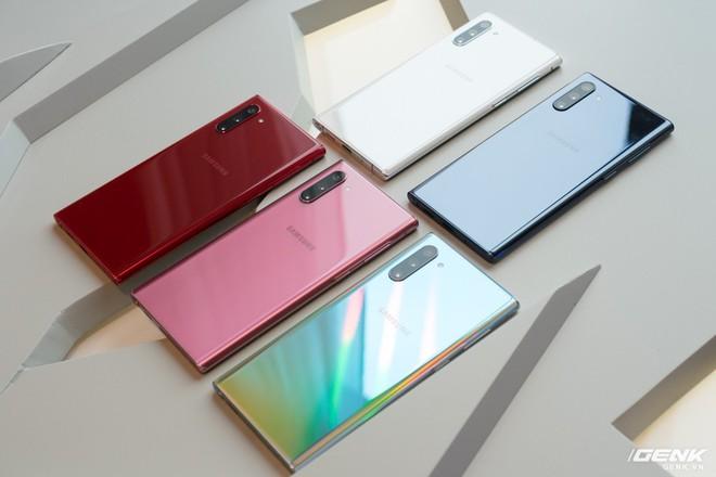 Samsung ra mắt Galaxy Note10: Hai phiên bản, bỏ jack cắm tai nghe, Exynos 9825, RAM 12GB, sạc nhanh 45W - Ảnh 3.