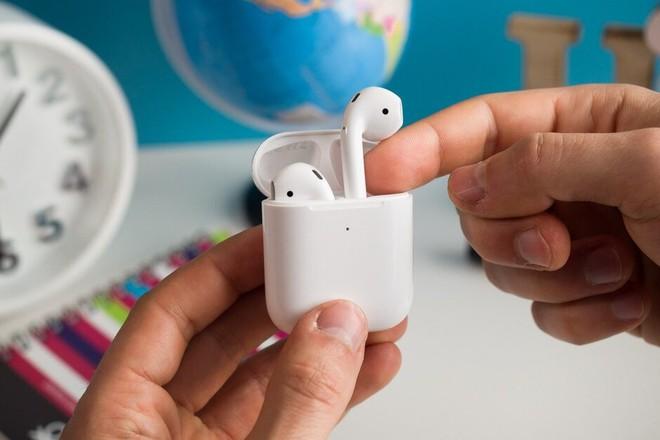 AirPods là tai nghe không dây phổ biến nhất thế giới, kế đến là Galaxy Buds của Samsung - Ảnh 1.