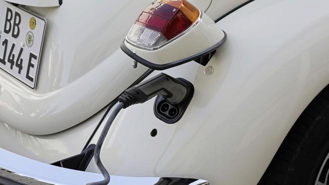 Con bọ của Volkswagen hồi sinh với thiết kế cổ điển đi kèm động cơ điện - Ảnh 13.
