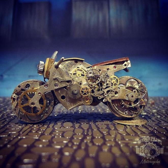 Không nỡ vứt mảnh đồng hồ cũ, chàng trai bèn độ nó thành loạt tác phẩm nghệ thuật đẹp mê hồn - Ảnh 13.