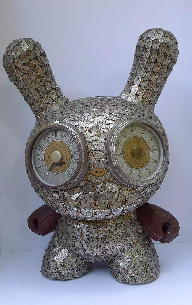 Không nỡ vứt mảnh đồng hồ cũ, chàng trai bèn độ nó thành loạt tác phẩm nghệ thuật đẹp mê hồn - Ảnh 5.