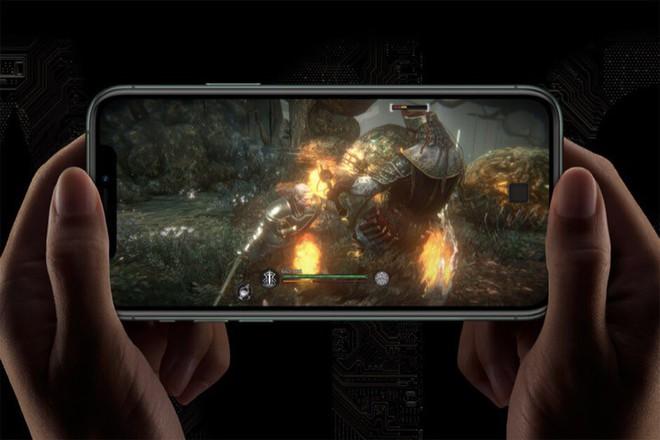 iPhone 11 Pro Max siêu nặng, trọng lượng gần 1/4kg - Ảnh 1.
