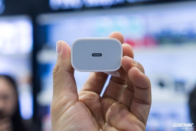 iPhone 11 Pro Max về Việt Nam trước ngày Apple mở bán - Ảnh 4.