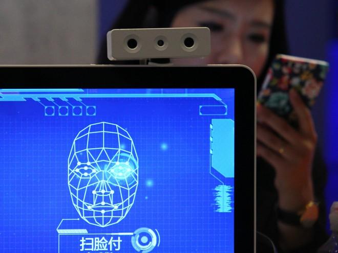Phẫu thuật thẩm mỹ mũi qua mặt được công nghệ nhận diện khuôn mặt của Trung Quốc - Ảnh 1.