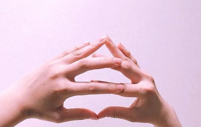 Cư dân mạng Nhật Bản nô nức tạo hình emoji đống phân bằng tay để chúc nhau may mắn - Ảnh 7.