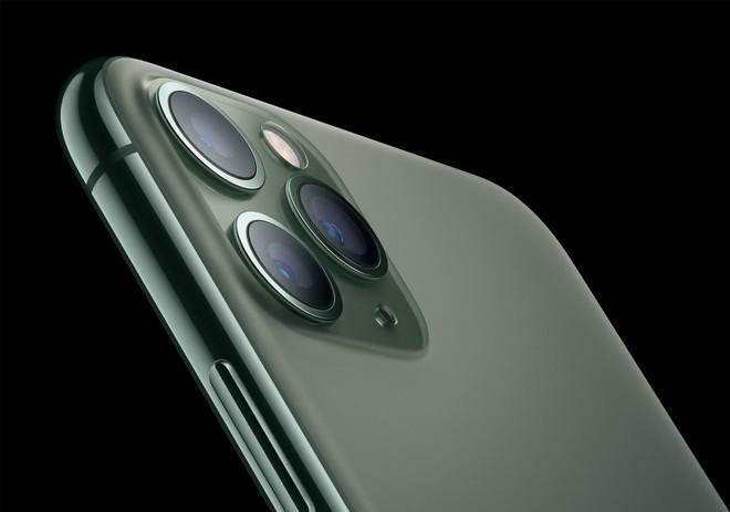 Bị chê bai hết lời nhưng cụm camera trên mặt lưng iPhone 11 chính là yếu tố giúp gia tăng doanh số - Ảnh 1.