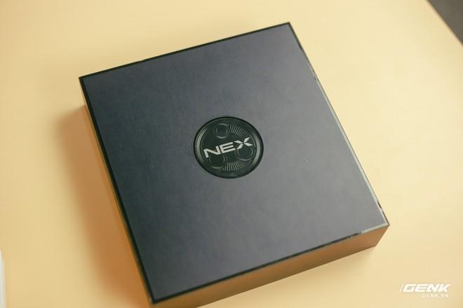 Trên tay Vivo NEX 3: Màn hình thác nước tỷ lệ 99.6%, camera thò thụt, không phím vật lý, giá 21 triệu - Ảnh 1.