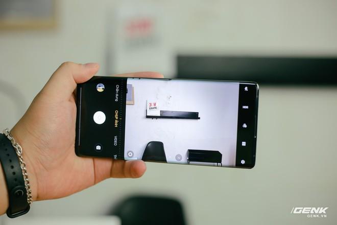 Trên tay Vivo NEX 3: Màn hình thác nước tỷ lệ 99.6%, camera thò thụt, không phím vật lý, giá 21 triệu - Ảnh 21.