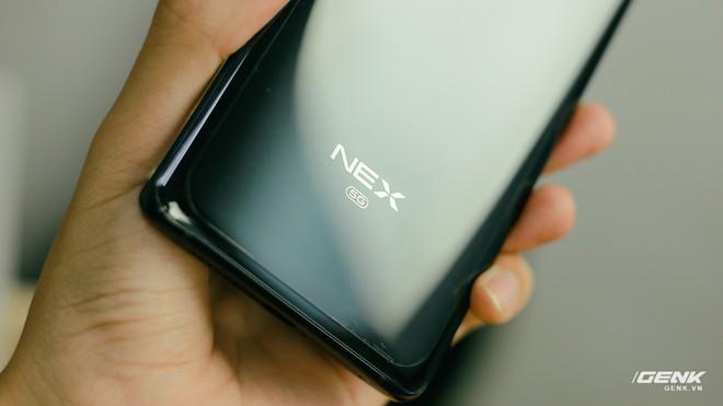 Trên tay Vivo NEX 3: Màn hình thác nước tỷ lệ 99.6%, camera thò thụt, không phím vật lý, giá 21 triệu - Ảnh 9.