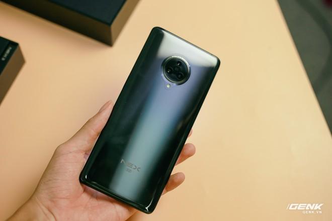 Trên tay Vivo NEX 3: Màn hình thác nước tỷ lệ 99.6%, camera thò thụt, không phím vật lý, giá 21 triệu - Ảnh 7.