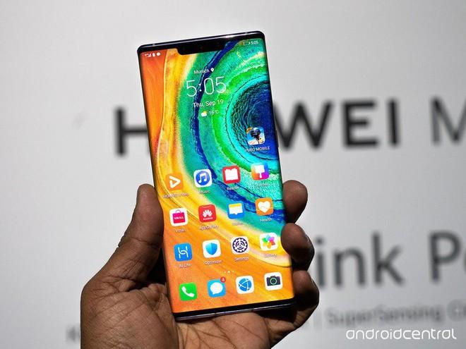 Cận cảnh Huawei Mate 30 Pro: Thiết kế hoàn toàn mới, màn hình siêu cong cuốn hút, nhưng vẫn có thiếu sót - Ảnh 2.