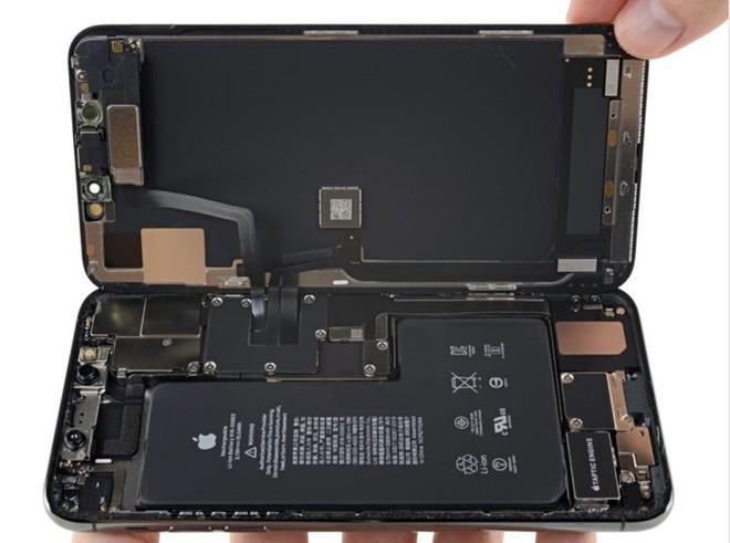 Phần cứng bí ẩn trong iPhone 11 Pro Max cho thấy máy suýt nữa thì có thể sạc ngược không dây - Ảnh 1.