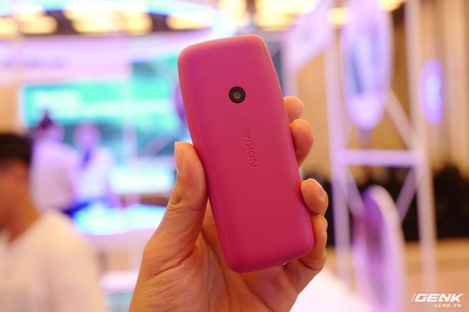 Cận cảnh Nokia 7.2 vừa ra mắt: Cụm camera trước & sau được Zeiss phát triển, mặt lưng màu xanh giống iPhone mới, giá gần 6,2 triệu đồng - Ảnh 15.