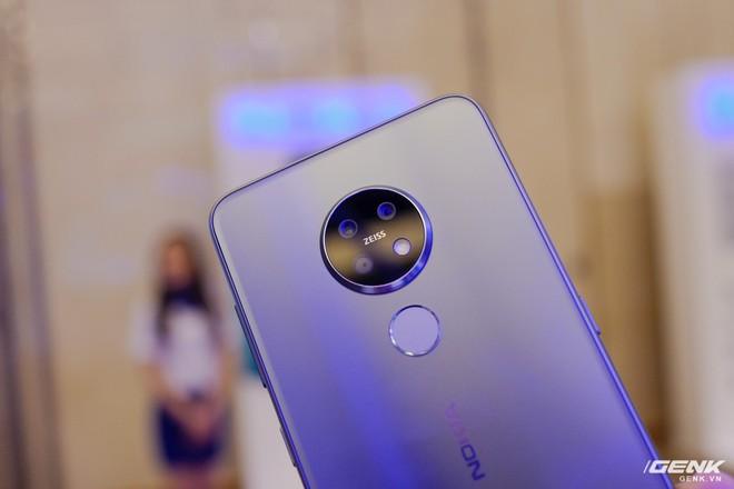 Cận cảnh Nokia 7.2 vừa ra mắt: Cụm camera trước & sau được Zeiss phát triển, mặt lưng màu xanh giống iPhone mới, giá gần 6,2 triệu đồng - Ảnh 4.