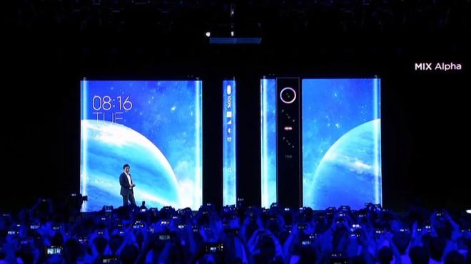 Xiaomi Mi MIX Alpha ra mắt với thiết kế không tưởng: Màn hình bao xung quanh thân máy, chiếm tỷ lệ 180%, camera 108MP, giá 2.800 USD - Ảnh 1.