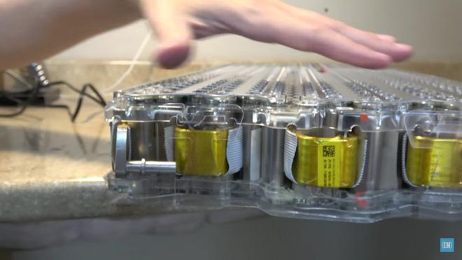 Báo cáo khoa học mới cho thấy Tesla sắp cho ra mắt công nghệ pin xe điện vận hành suốt 1.609.344 km rồi mới hỏng - Ảnh 4.