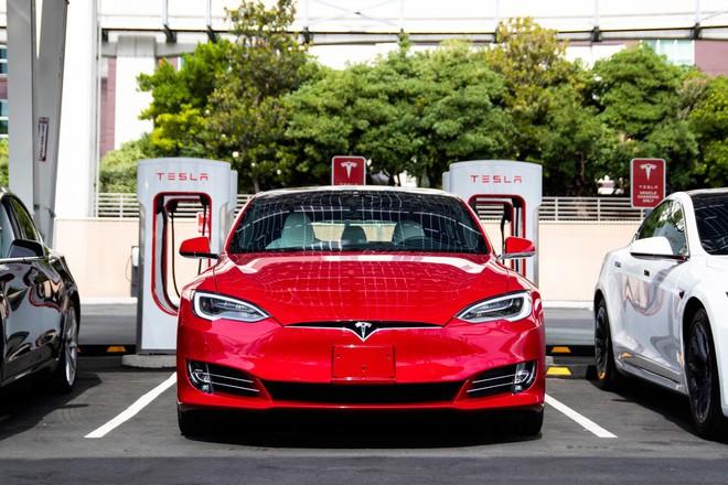 Báo cáo khoa học mới cho thấy Tesla sắp cho ra mắt công nghệ pin xe điện vận hành suốt 1.609.344 km rồi mới hỏng - Ảnh 1.