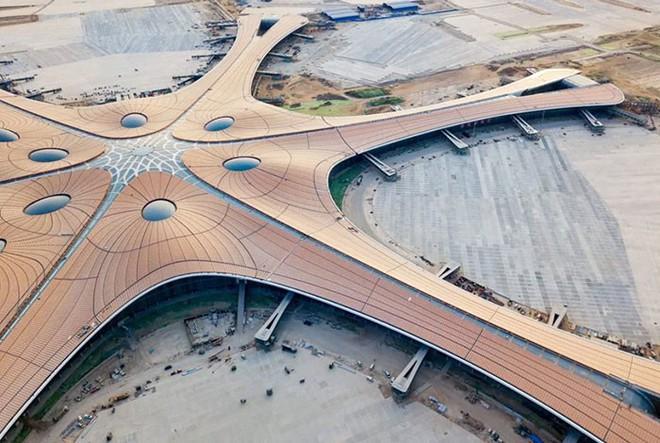 Bắc Kinh vừa khánh thành sân bay mới với ga chờ lớn nhất thế giới - Ảnh 3.