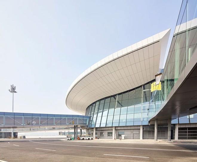 Bắc Kinh vừa khánh thành sân bay mới với ga chờ lớn nhất thế giới - Ảnh 6.