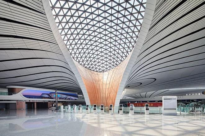 Bắc Kinh vừa khánh thành sân bay mới với ga chờ lớn nhất thế giới - Ảnh 9.