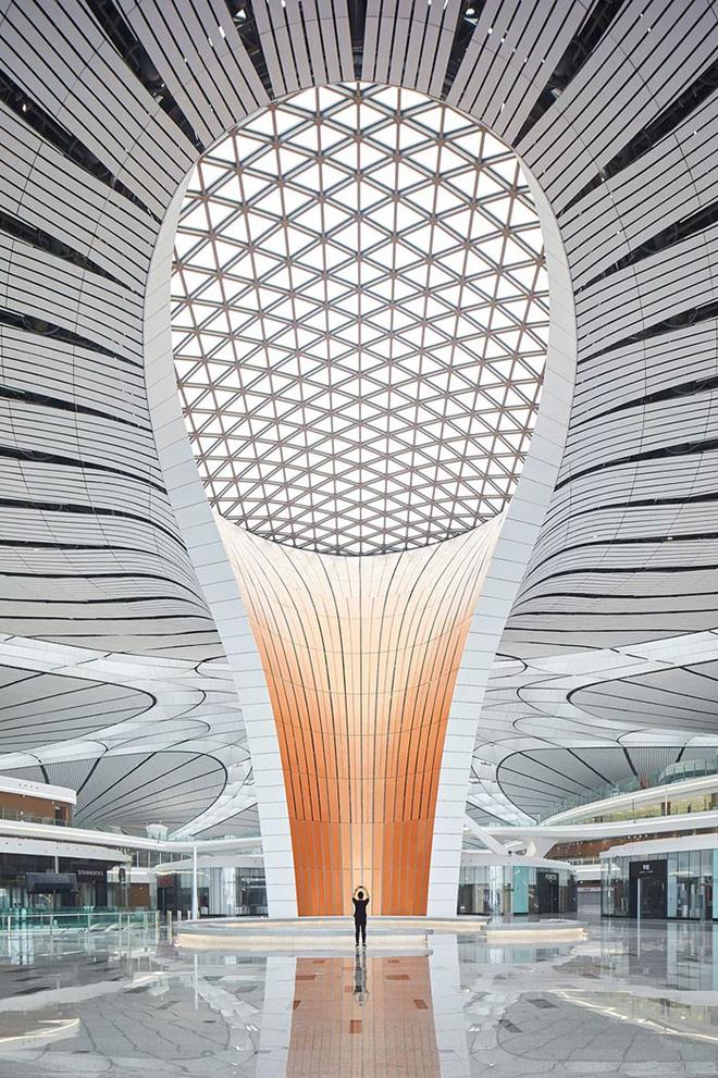 Bắc Kinh vừa khánh thành sân bay mới với ga chờ lớn nhất thế giới - Ảnh 11.