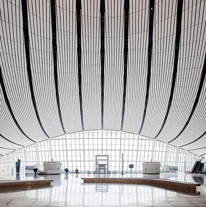 Bắc Kinh vừa khánh thành sân bay mới với ga chờ lớn nhất thế giới - Ảnh 12.