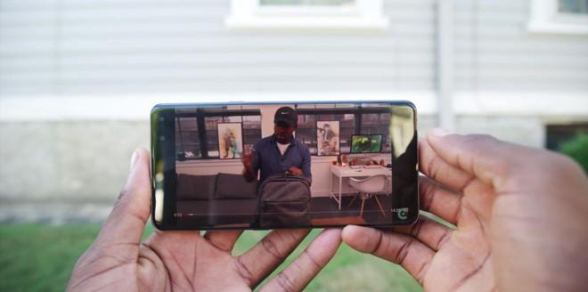Blogger công nghệ số 1 thế giới vùi dập công nghệ 5G, cho rằng nó không hề đáng tiền chút nào cả - Ảnh 9.
