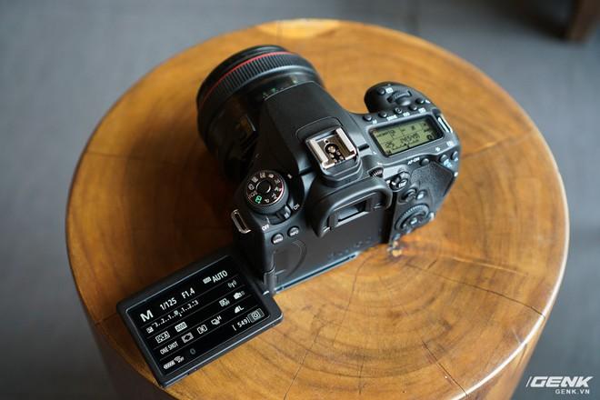 Trên tay Canon EOS 90D: Ngoại hình không thay đổi nhiều, phần cứng nâng cấp đáng kể, chưa có giá chính thức tại Việt Nam - Ảnh 3.