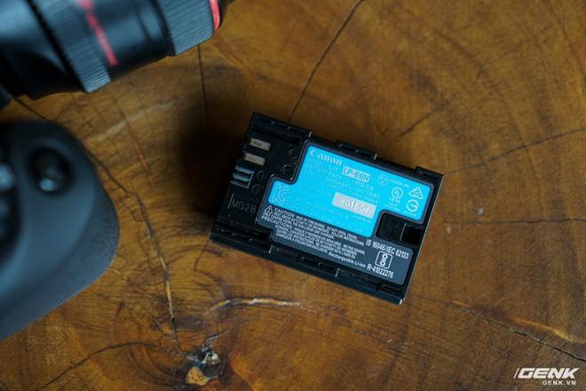 Trên tay Canon EOS 90D: Ngoại hình không thay đổi nhiều, phần cứng nâng cấp đáng kể, chưa có giá chính thức tại Việt Nam - Ảnh 9.