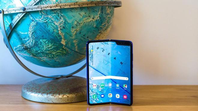 Galaxy Fold còn có ý nghĩa hơn cả một chiếc điện thoại màn hình gập thông thường - Ảnh 2.