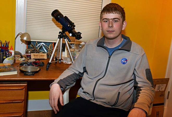 Thanh niên 17 tuổi phát hiện ra hành tinh mới rất đặc biệt khi đang thực tập tại NASA - Ảnh 1.