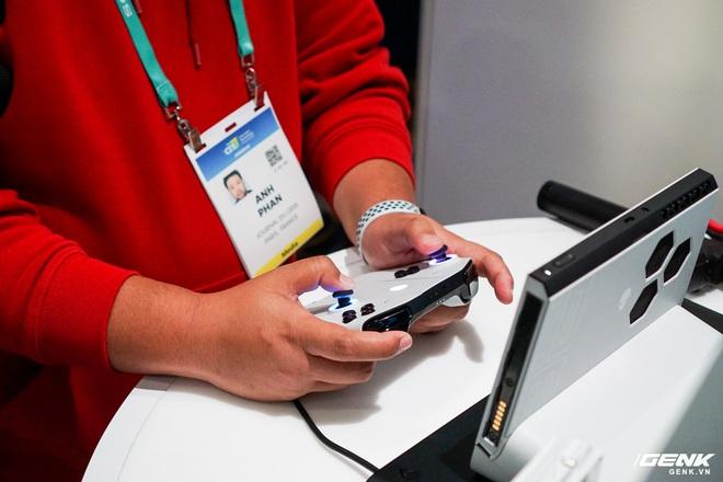 [CES 2020] Trên tay PC gaming nhỏ gọn Alienware Concept UFO: Phiên bản Nintendo Switch phóng to? - Ảnh 9.