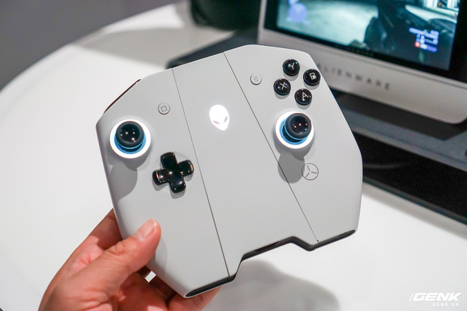 [CES 2020] Trên tay PC gaming nhỏ gọn Alienware Concept UFO: Phiên bản Nintendo Switch phóng to? - Ảnh 4.