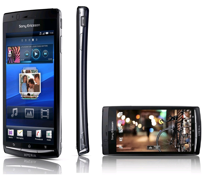 Nhìn lại 10 chiếc smartphone Xperia nổi bật nhất của Sony trong thập kỷ qua - Ảnh 2.