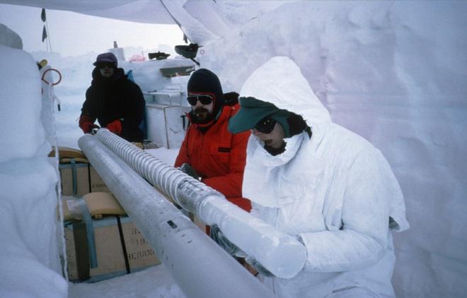 Các nhà khoa học tìm thấy 28 loài virus chưa từng được biết tới trong mẫu băng có từ Kỷ băng hà - Ảnh 2.