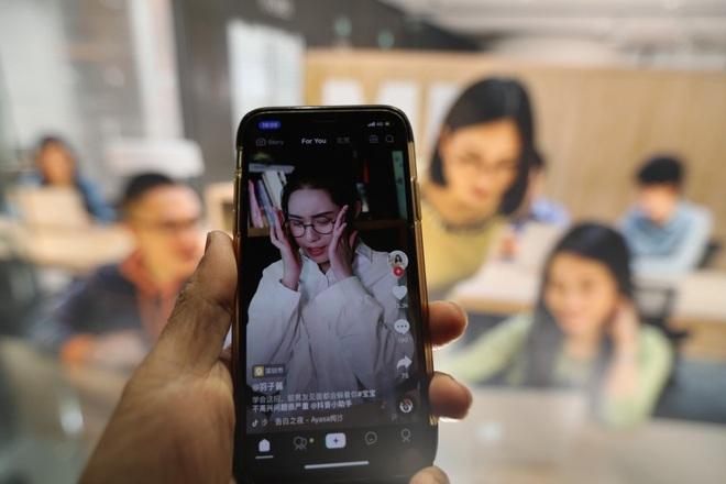 Thâm nhập lò dạy làm giàu bằng TikTok tại Trung Quốc: Học phí siêu đắt, học viên không cần nổi tiếng, chỉ cần tiền - Ảnh 1.