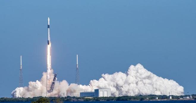 NASA phải trả cho SpaceX 55 triệu USD với mỗi chỗ lên tàu vũ trụ - Ảnh 2.
