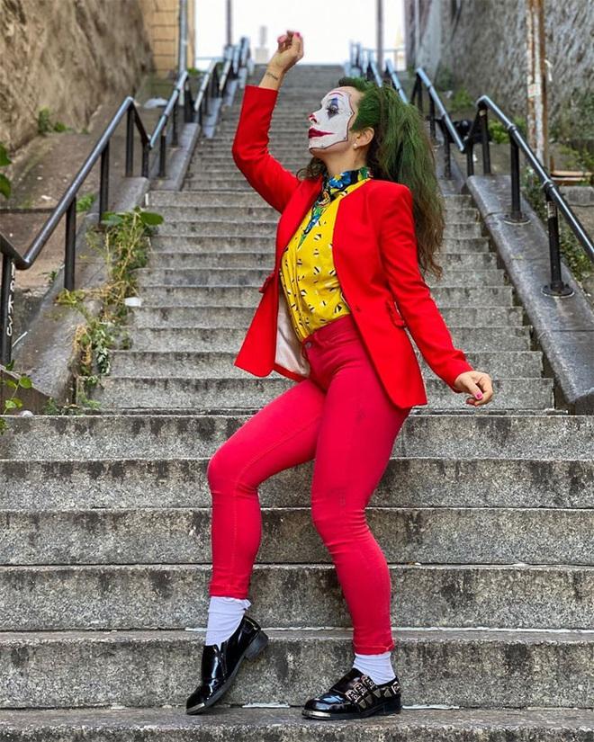 [Chùm ảnh] Đoạn cầu thang nơi Joker nhảy múa điên loạn trong phim nay đã trở thành địa điểm du lịch nổi tiếng thế giới - Ảnh 15.