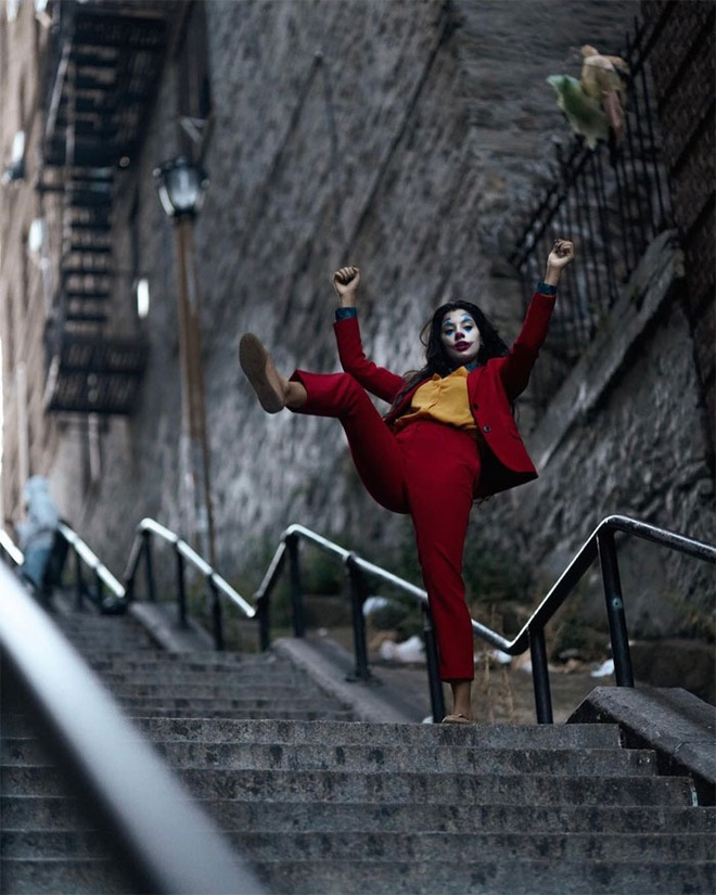 [Chùm ảnh] Đoạn cầu thang nơi Joker nhảy múa điên loạn trong phim nay đã trở thành địa điểm du lịch nổi tiếng thế giới - Ảnh 4.