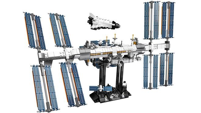 Đây là bộ Lego Trạm vũ trụ quốc tế: dù rất chi tiết nhưng cũng mong manh dễ vỡ chẳng khác gì hàng thật - Ảnh 2.