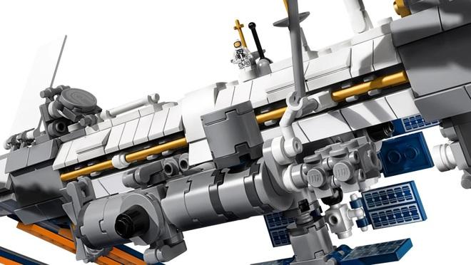 Đây là bộ Lego Trạm vũ trụ quốc tế: dù rất chi tiết nhưng cũng mong manh dễ vỡ chẳng khác gì hàng thật - Ảnh 5.