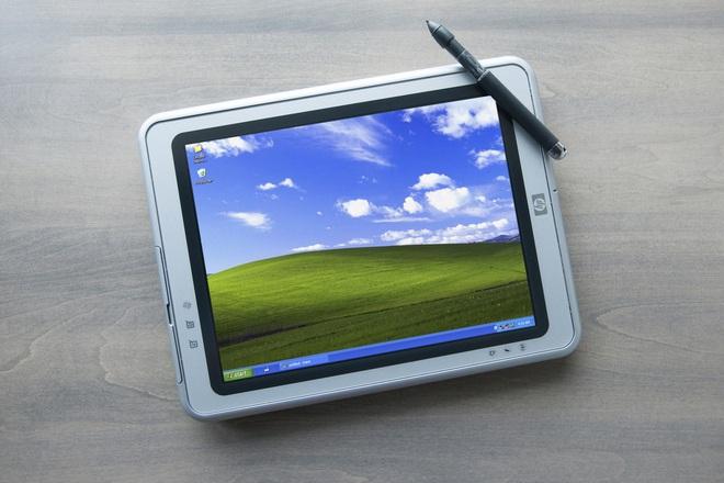 Số phận của smartphone hay laptop màn hình gập sẽ không thuộc về các nhà sản xuất phần cứng - Ảnh 3.