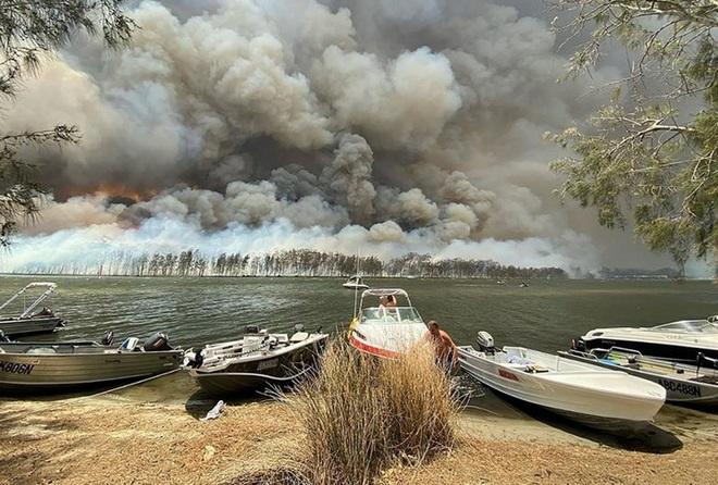 Cháy rừng ở Úc để lộ hệ thống thủy sinh có tuổi đời hơn 6 ngàn năm tuổi của thổ dân cổ đại - Ảnh 2.