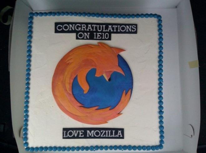 """Tại sao ba """"kỳ phùng địch thủ"""" Microsoft, Google và Mozilla lại gửi bánh kem cho nhau mỗi khi ra mắt trình duyệt? - Ảnh 4."""