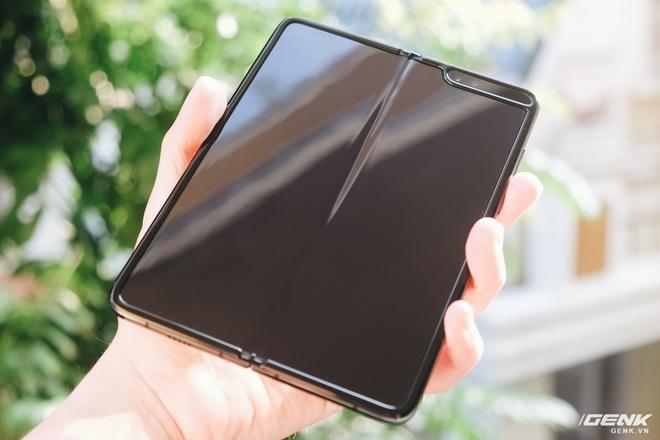 Galaxy Fold: Chiếc smartphone dành cho các sếp - Ảnh 3.