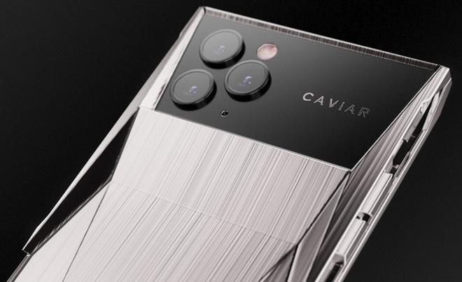 Chiêm ngưỡng chiếc iPhone Cyberphone độc lạ: Khi Tesla Cybertruck dung hợp iPhone 11 Pro - Ảnh 2.