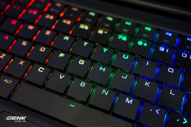 Trên tay laptop cộp mác Việt VGS Imperium: Thiết kế đơn giản giấu cấu hình mạnh mẽ - Ảnh 8.