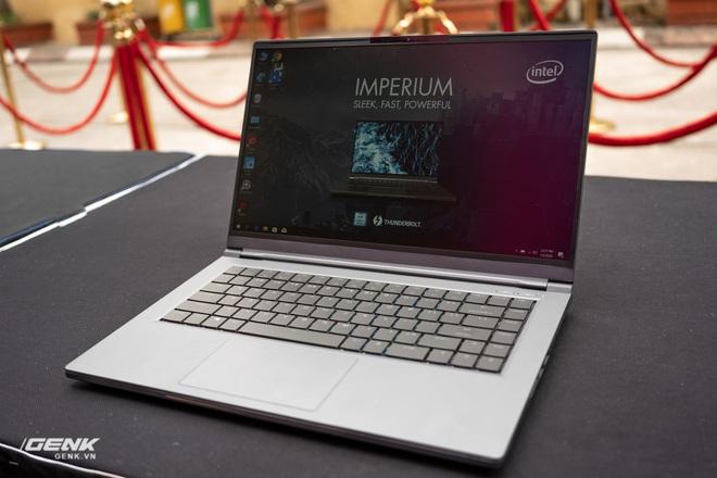 Trên tay laptop cộp mác Việt VGS Imperium: Thiết kế đơn giản giấu cấu hình mạnh mẽ - Ảnh 1.
