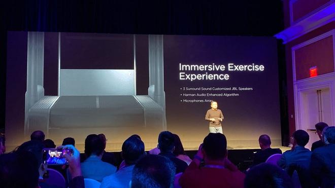 [CES 2020] Amazfit HomeStudio: phòng gym tại gia với gương soi 56-inch, màn hình 43-inch, camera 3D - Ảnh 1.