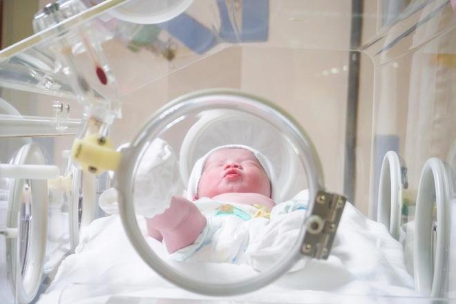 Một liều thuốc duy nhất trong 30 giờ đầu có thể ngăn chặn HIV lây từ mẹ sang con - Ảnh 2.